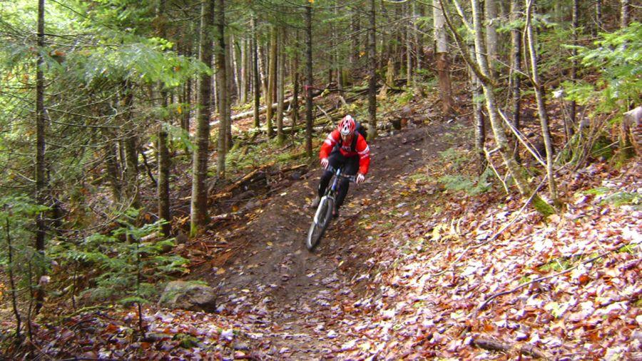 Québec : Vélo de montagne au Lac-Beauport