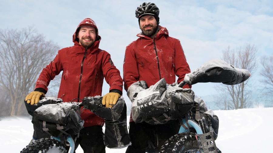 La route Blanche: 1000 km en fatbike de la Côte-Nord à Terre-Neuve