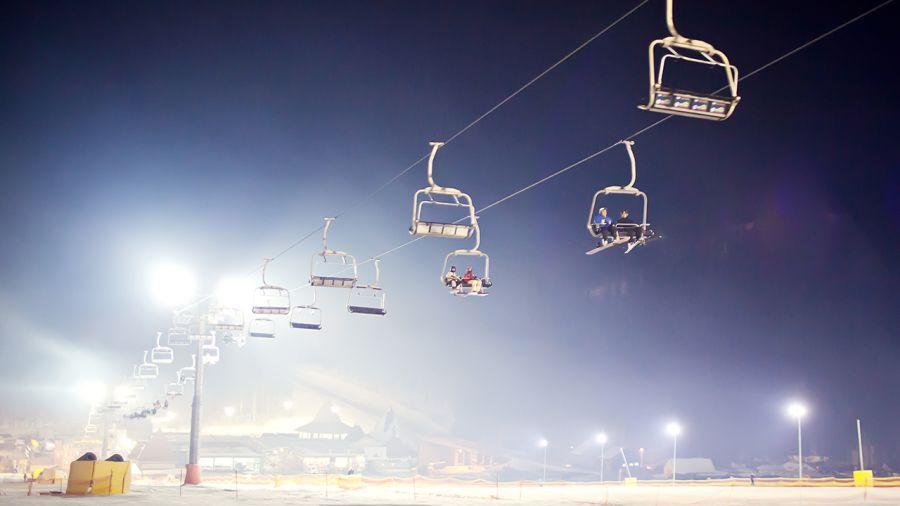 Pour ou contre des pistes de skis éclairées?