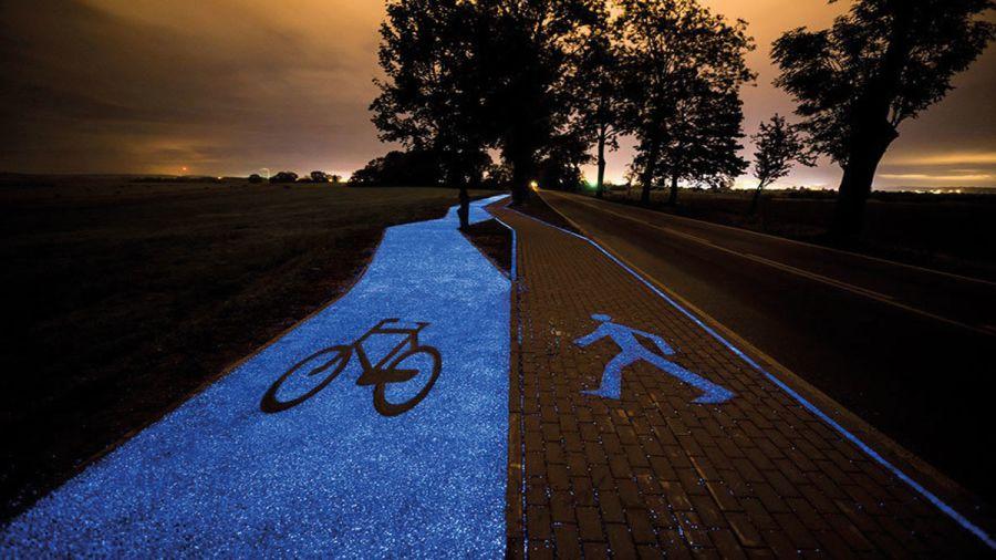 Une piste cyclable rétroéclairée en Pologne