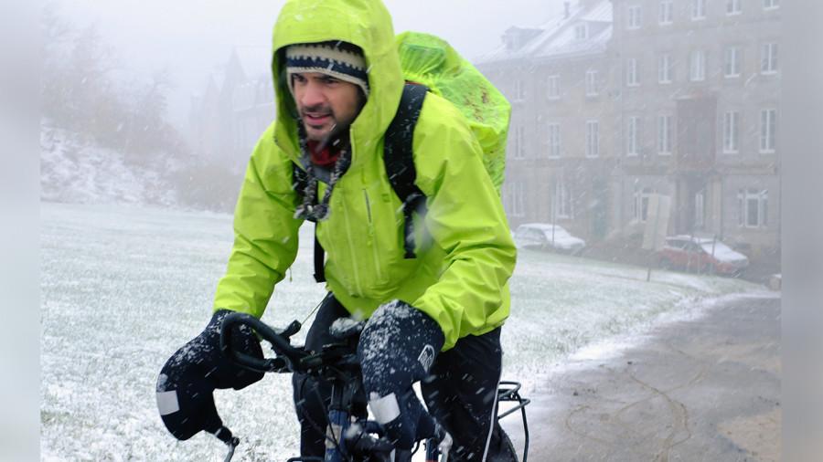Une traversée hivernale du Canada en mémoire des cyclistes décédés
