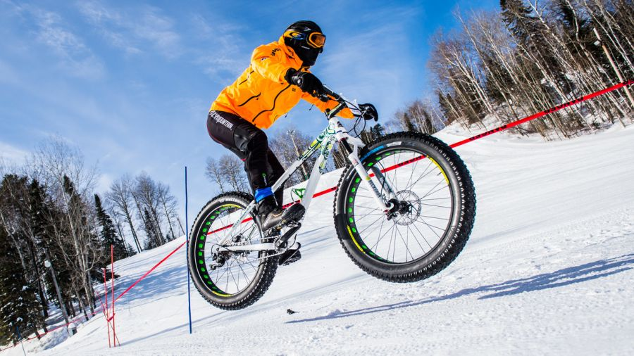 Tobo-Ski: fatbike en forêt boréale