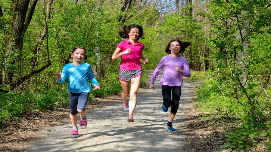 Courir avec ses enfants : pourquoi pas?