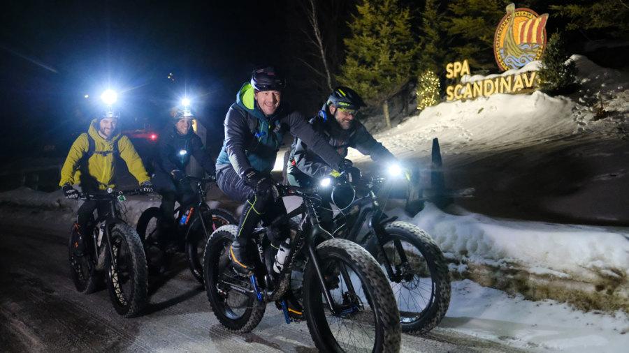 Fatbike de nuit sur les pistes de Tremblant