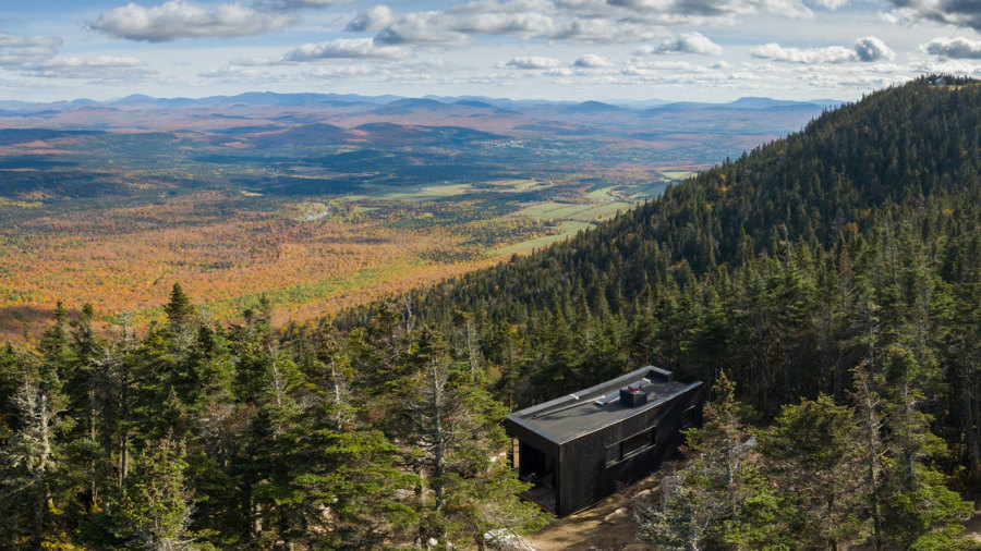Un nouveau mini-refuge spectaculaire au parc national du Mont-Mégantic