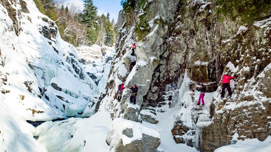 Via ferrata d'hiver : au fil des parois… et du froid