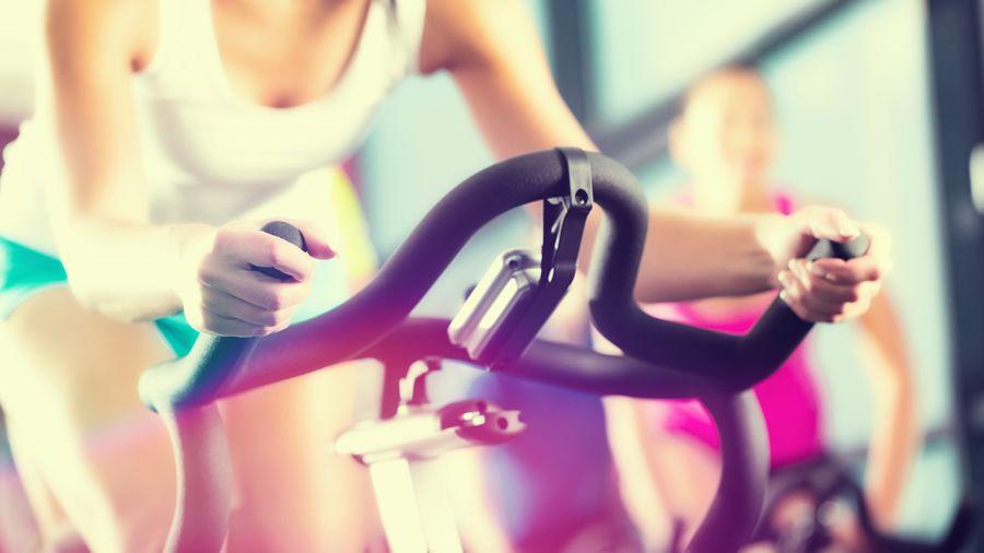 Rouler avec un cyclo-entraineur