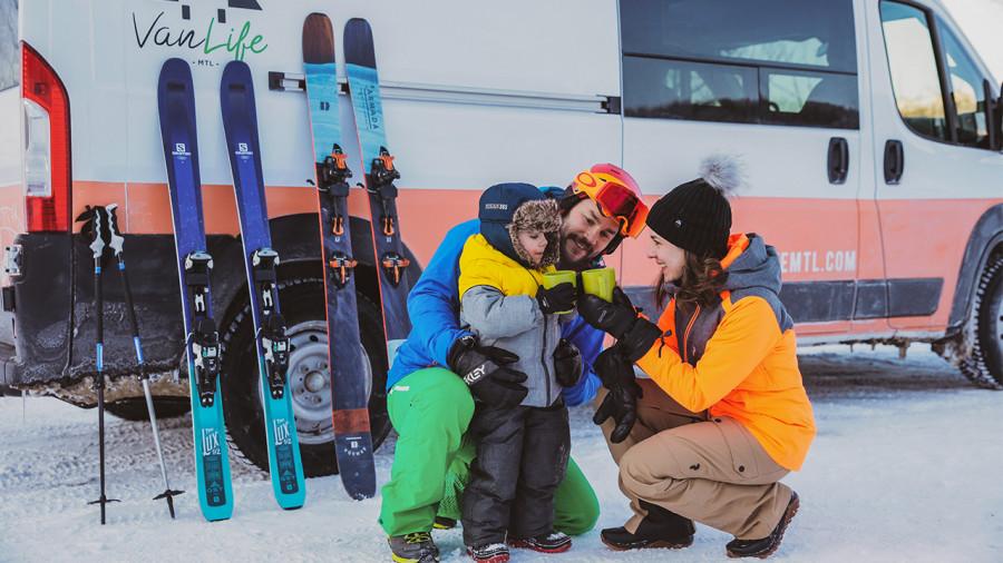 Des forfaits « ski et vanlife » pour un petit voyage d'hiver au Québec
