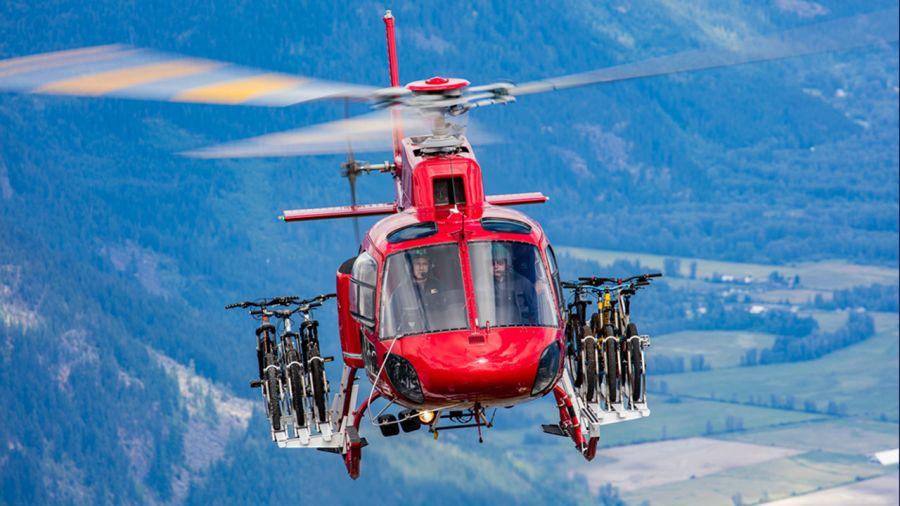 Prêt à tester l'heli-biking dans l'Ouest canadien ?