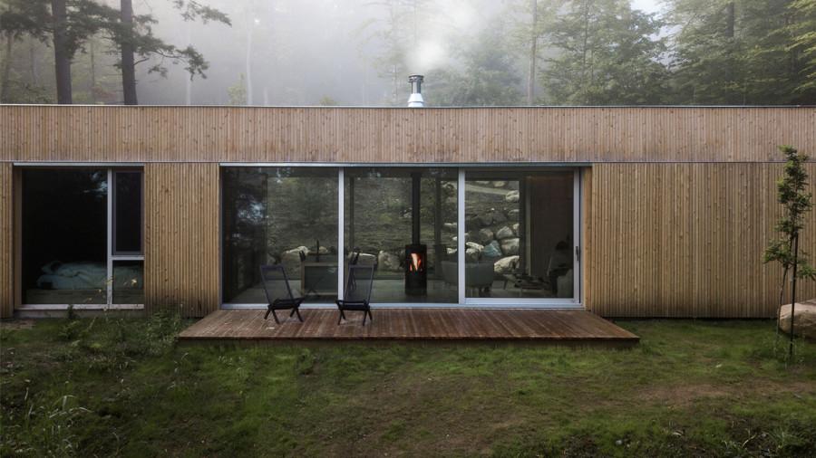 hinterhouse : une cabine scandinave et japonaise dans la forêt des Laurentides