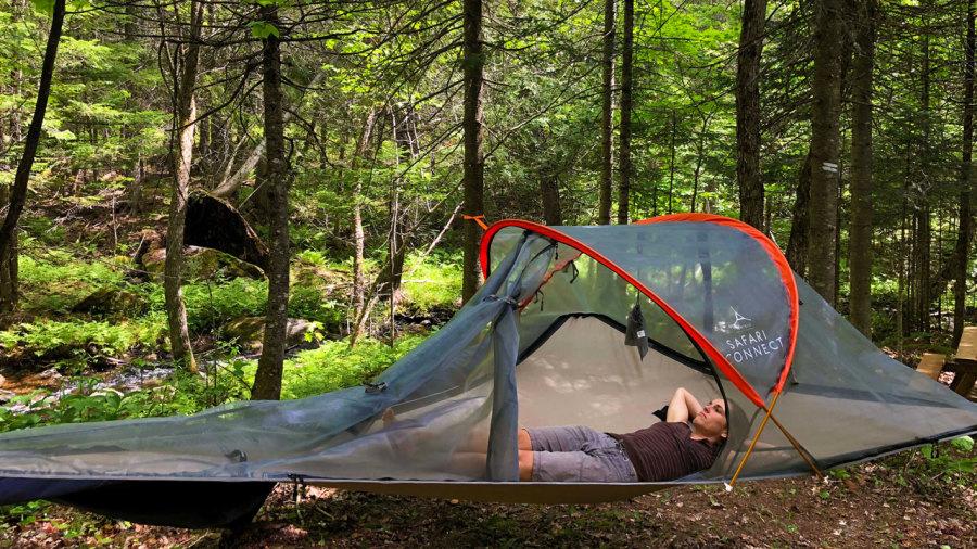 4 raisons de dormir en tente suspendue