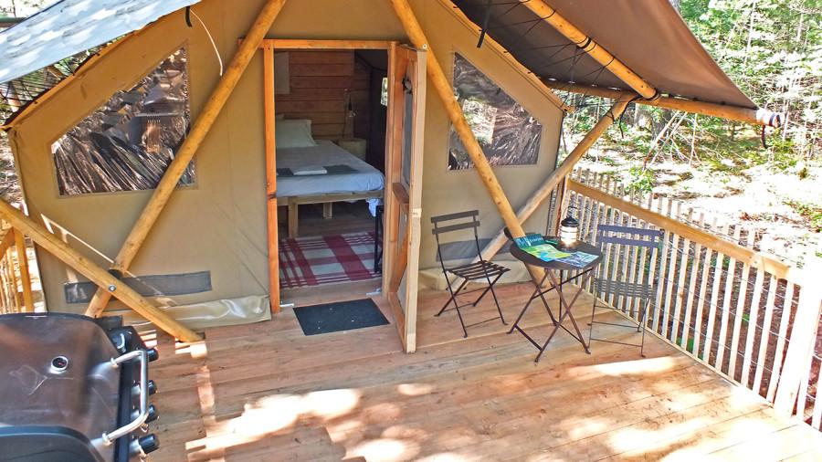 Prêt-à-camper : de nouvelles tentes pour deux chez Huttopia Sutton