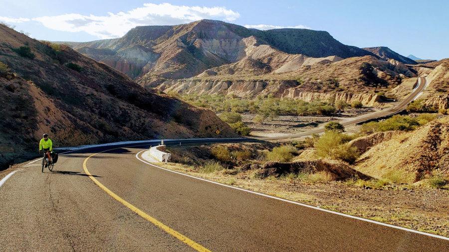 Entre mers et déserts : la Baja California mexicaine à vélo