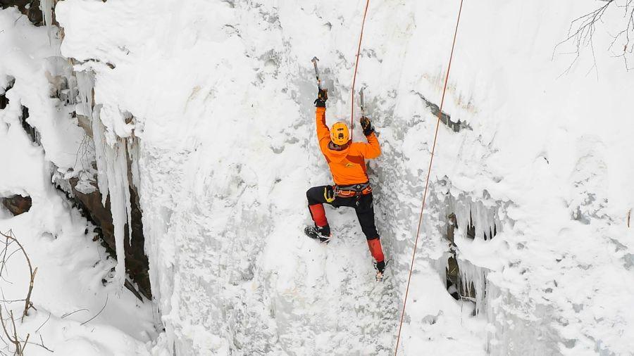 Trésors cachés de l'hiver : Escalade de glace
