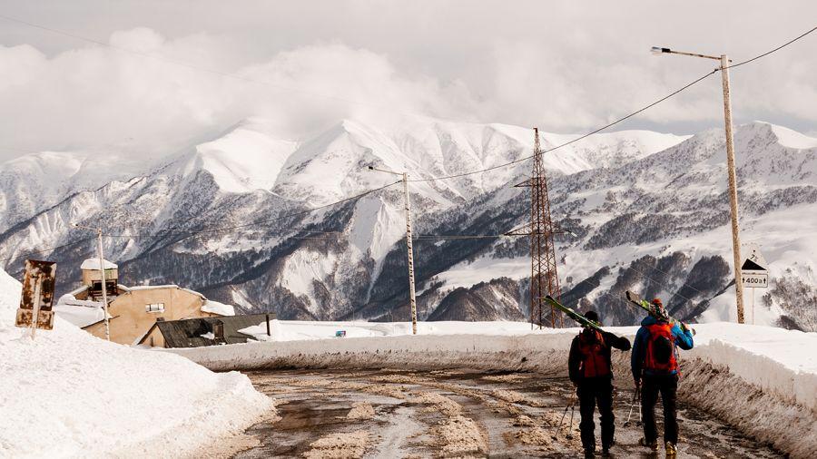 Skier au cœur du Caucase