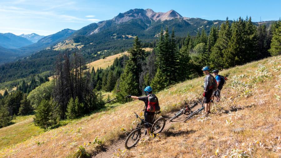 South Chilcotin : vélo aérien entre ciel et montagne