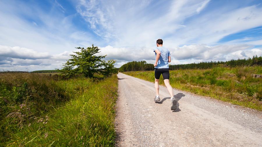 L'exercice physique réduit-il vraiment le risque face à la Covid-19?