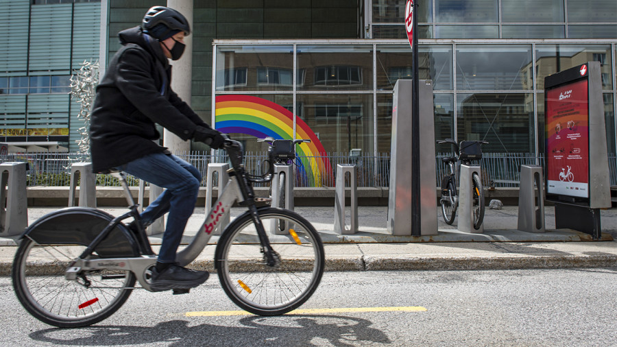 Courir, marcher ou rouler à vélo en groupe: vous devez maintenant porter le masque