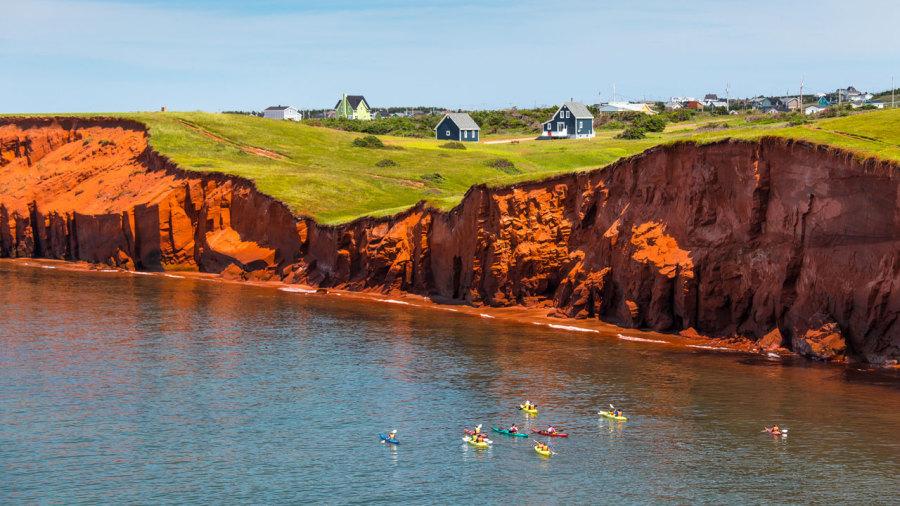 Iles de la Madeleine : 5 belles randonnées en kayak de mer