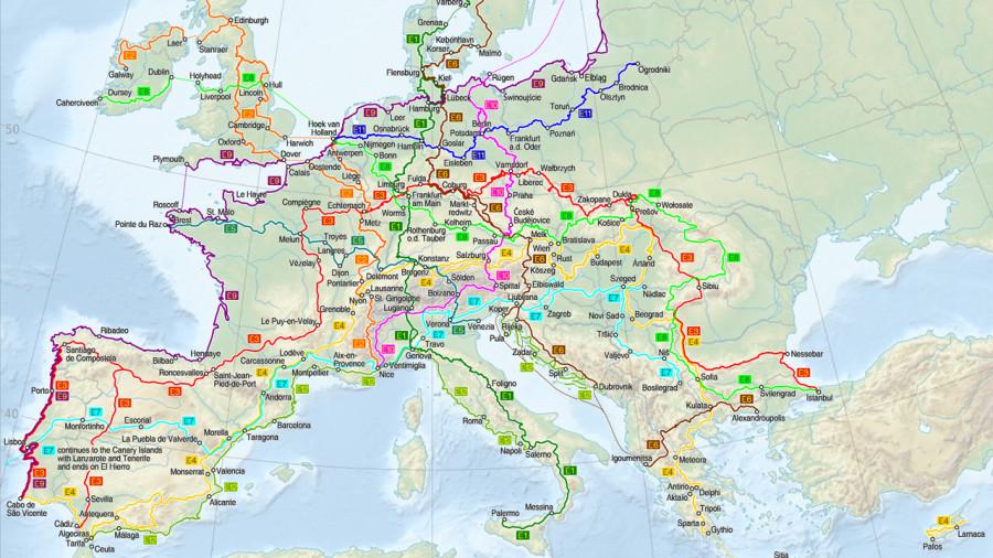 Carte des 12 sentiers de longue randonnée en Europe