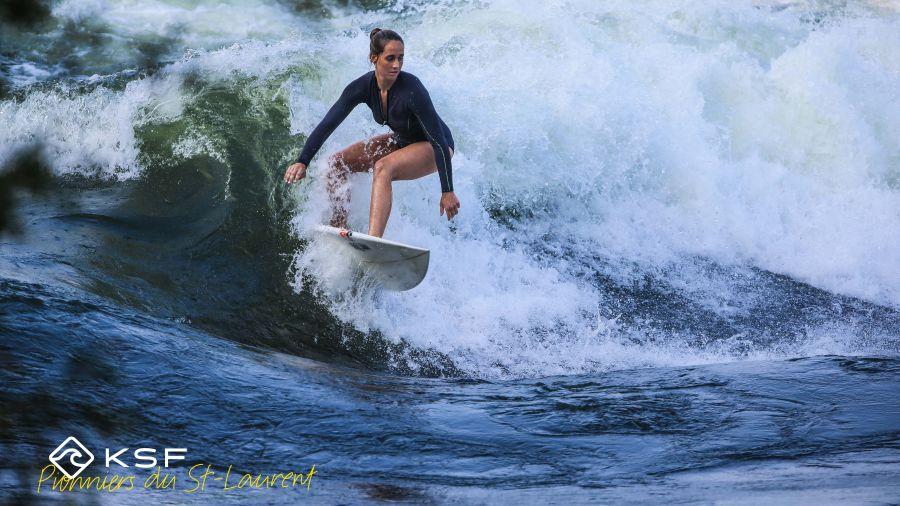 Introduction au surf de rivière sur le Saint-Laurent