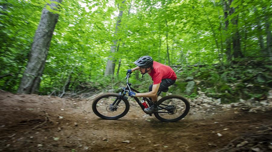 De nouveaux sentiers de vélo de montagne au parc national du Mont-Orford