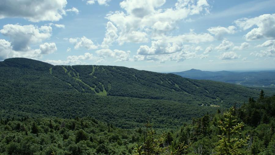 Mont Sutton : une tyrolienne double et des investissements pour développer le plein air