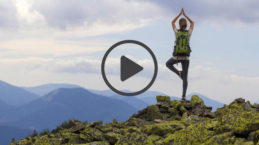 Vidéo : 6 postures de yoga faciles pour les randonneurs