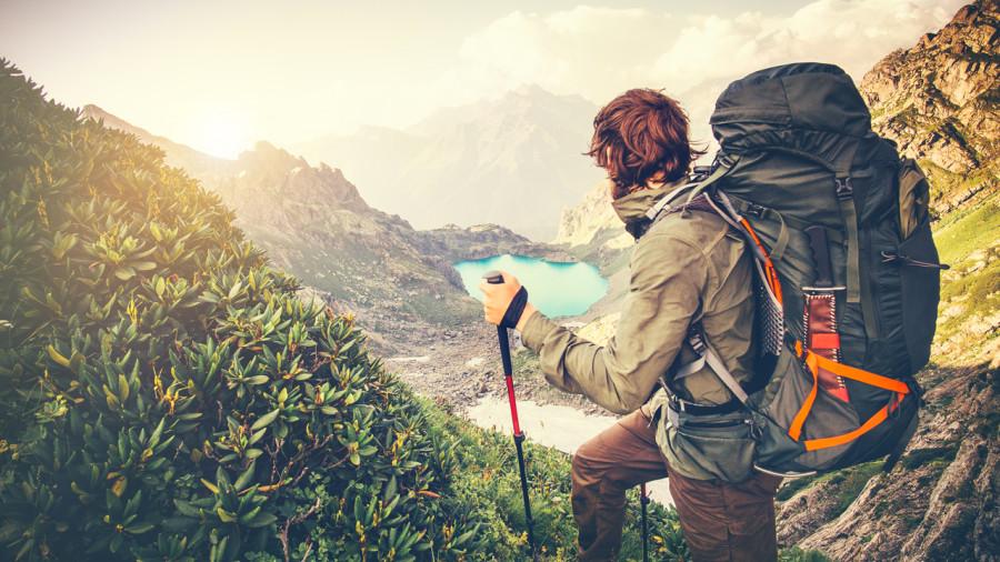 Bien ajuster son sac à dos de longue randonnée