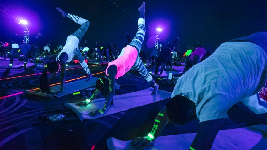 Soul Pose : le yoga festif