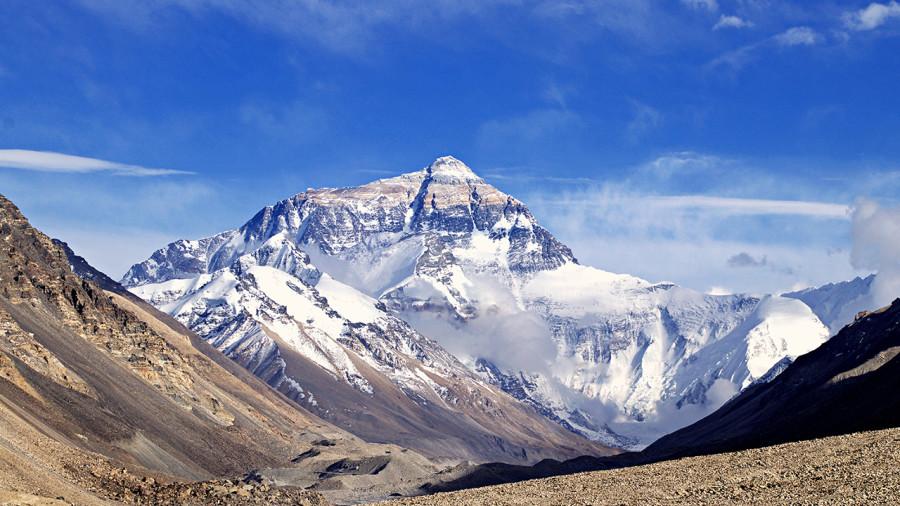 Everest : le toit du monde plus haut que jamais !