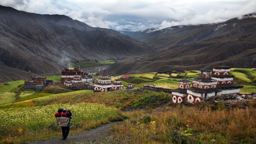 Himalaya : Le Dolpo et le massif Api-saipal