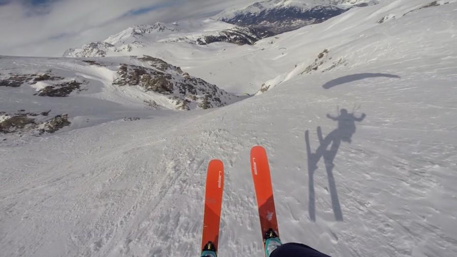 Speedridingdans les Torngat : voler les skis aux pieds