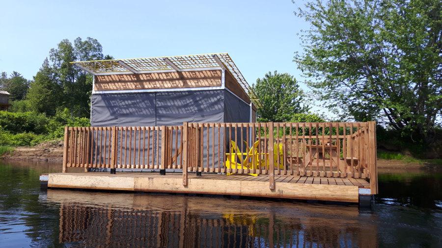 Camping sur des plateformes flottantes à Québec