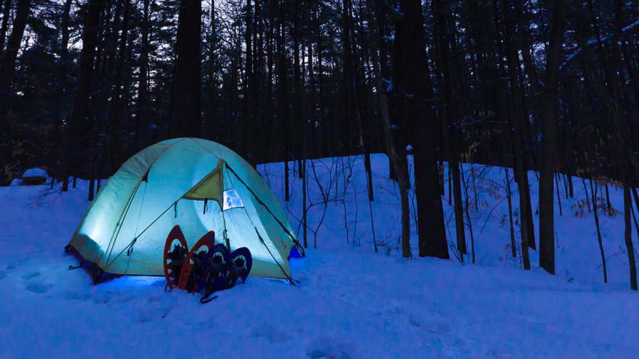 Camping hivernal, refuge, van : est-ce possible avec le couvre-feu ?