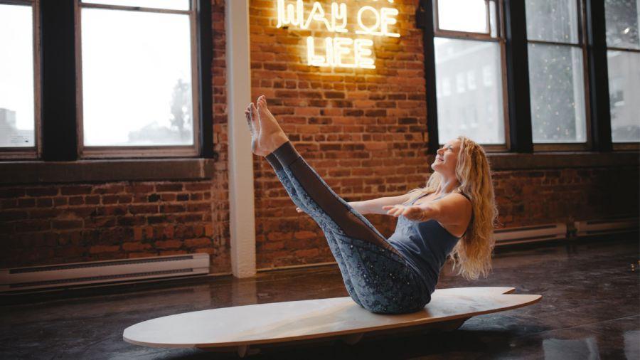 Du SUP yoga… sur la terre ferme