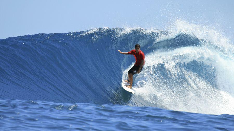 Surfez sur la vague même en hiver : Iles Mentawais, Indonésie
