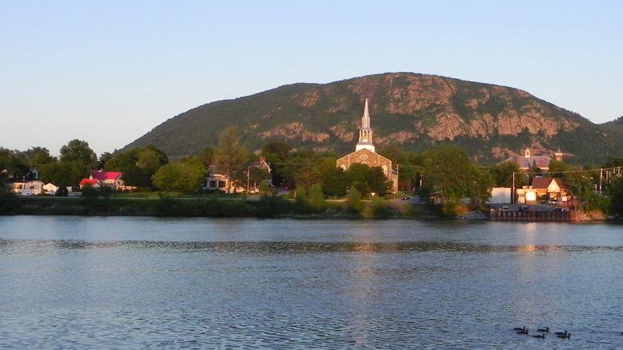Mont St-Hilaire : La montagne sous tous ses angles