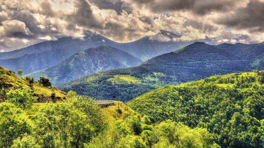 À pied à travers les Pyrénées: Les dessous d'une grande traversée