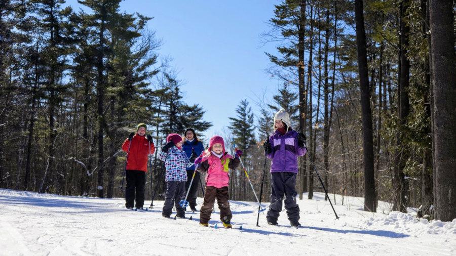 Ski de fond : terrains de jeu parfaits pour les enfants