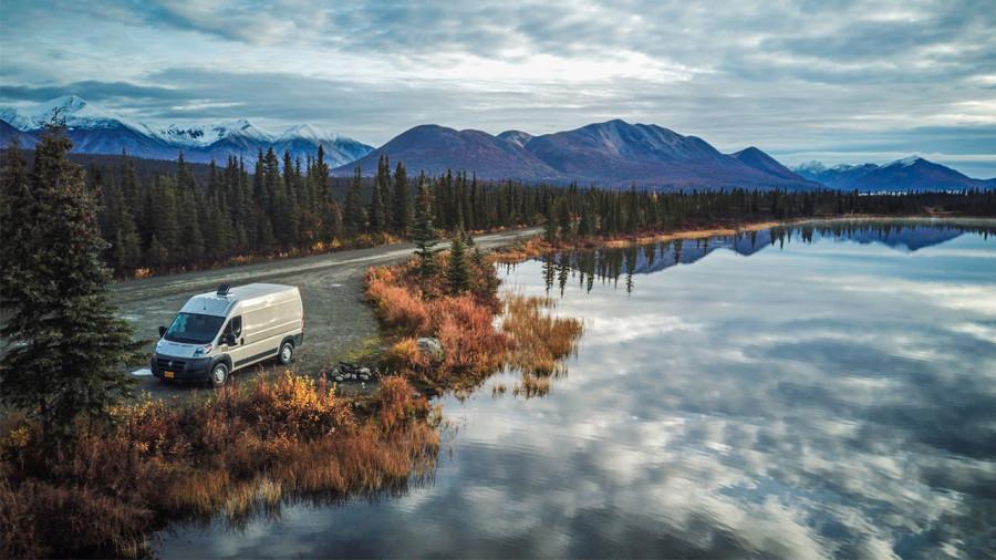 Deux sites « Airbnb » pour louer des VR et des vans aménagées