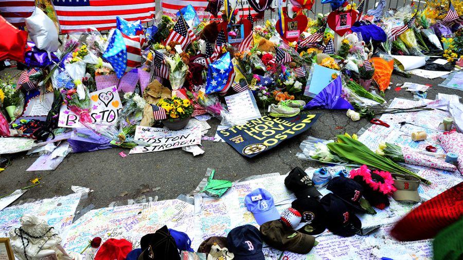 Terreur à Boston : 2 bombes explosent à l'arrivée du marathon