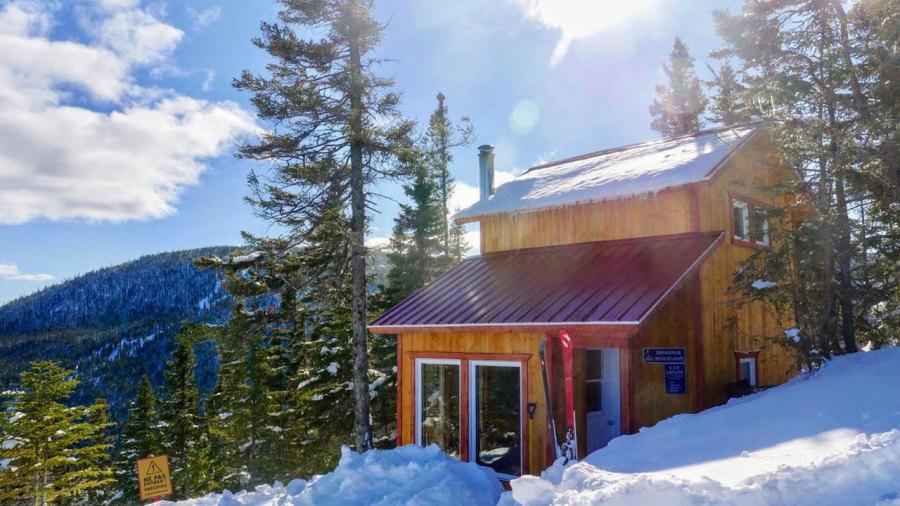 8 chalets pour un week-end de ski de rando au Québec