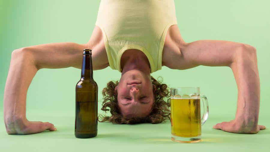 Bière yoga, la nouvelle tendance sur les tapis