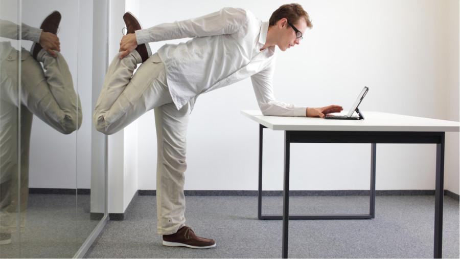 Petits exercices tonifiants pour les longues journées au bureau