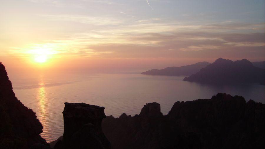 La Corse à vélo : Défi sportif et dolce vita