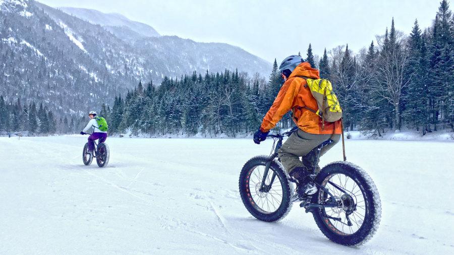 Fatbike dans la Vallée des glaces de Charlevoix