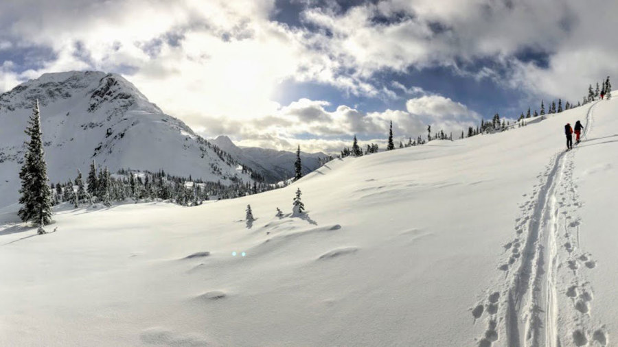 Ski de rando et refuge en Colombie-Britannique