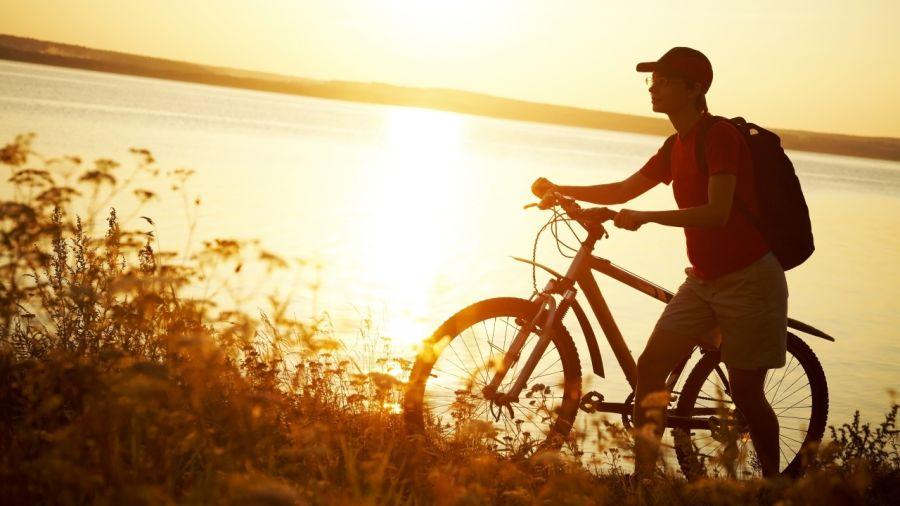 Distribution de vélos neufs aux jeunes les plus méritants
