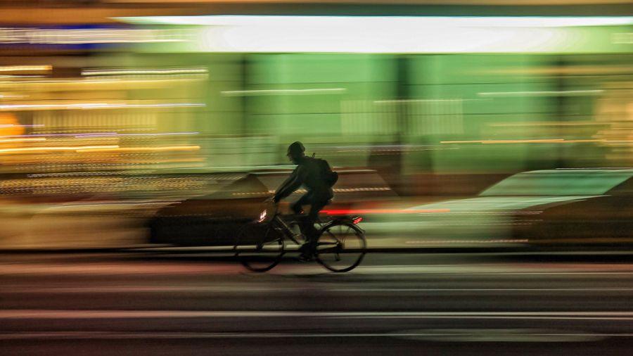 Les cyclistes, meilleurs automobilistes ?